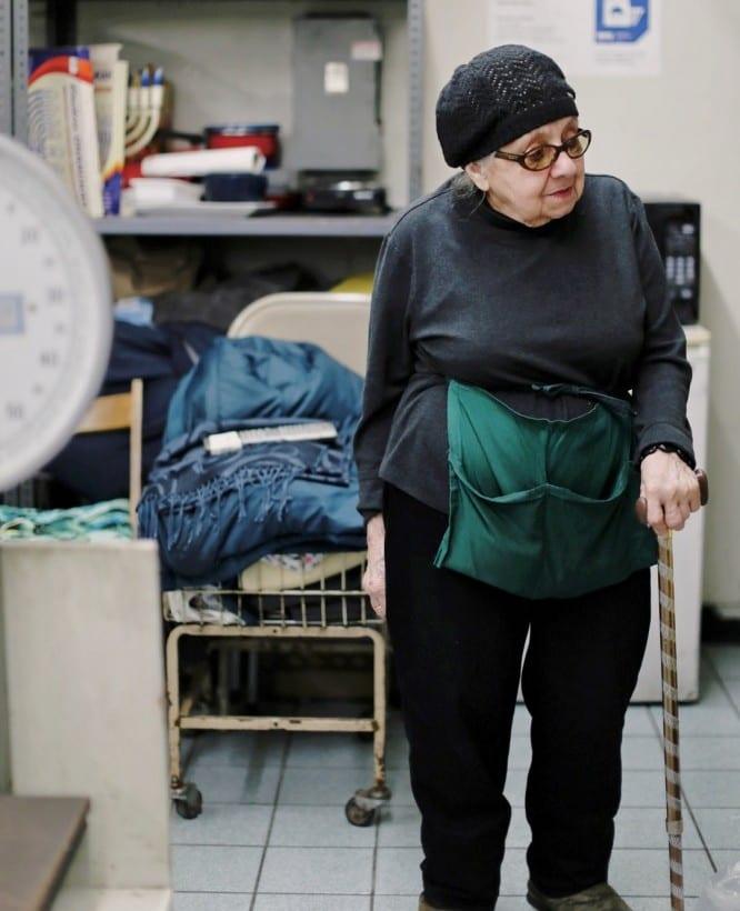 Senior Citizens Earning Extra Money - senior citizen working part time