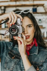 using captivating images for your social media marketing