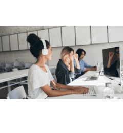 contrat world review - call centres
